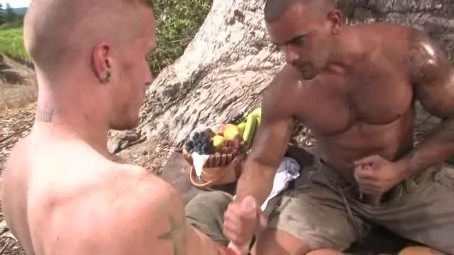 Damien Crosse fuck Kennedy Carter gay hot daddy dude men porn Drenched