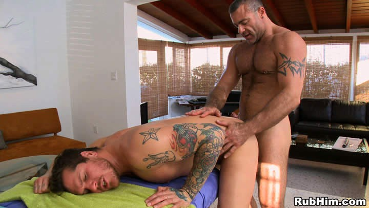 Trace Michaels fuck Parker London gay hot daddy dude men porn RubHim