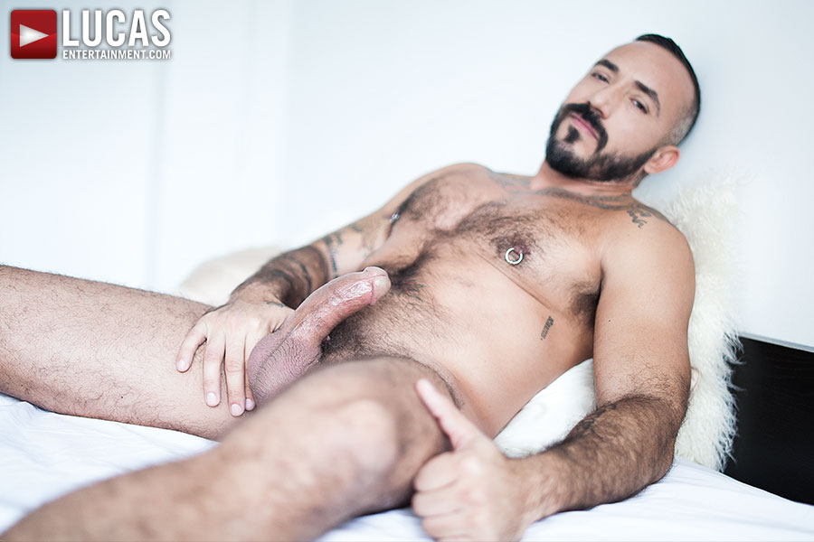 Alessio Romero gay hot daddy dude men porn