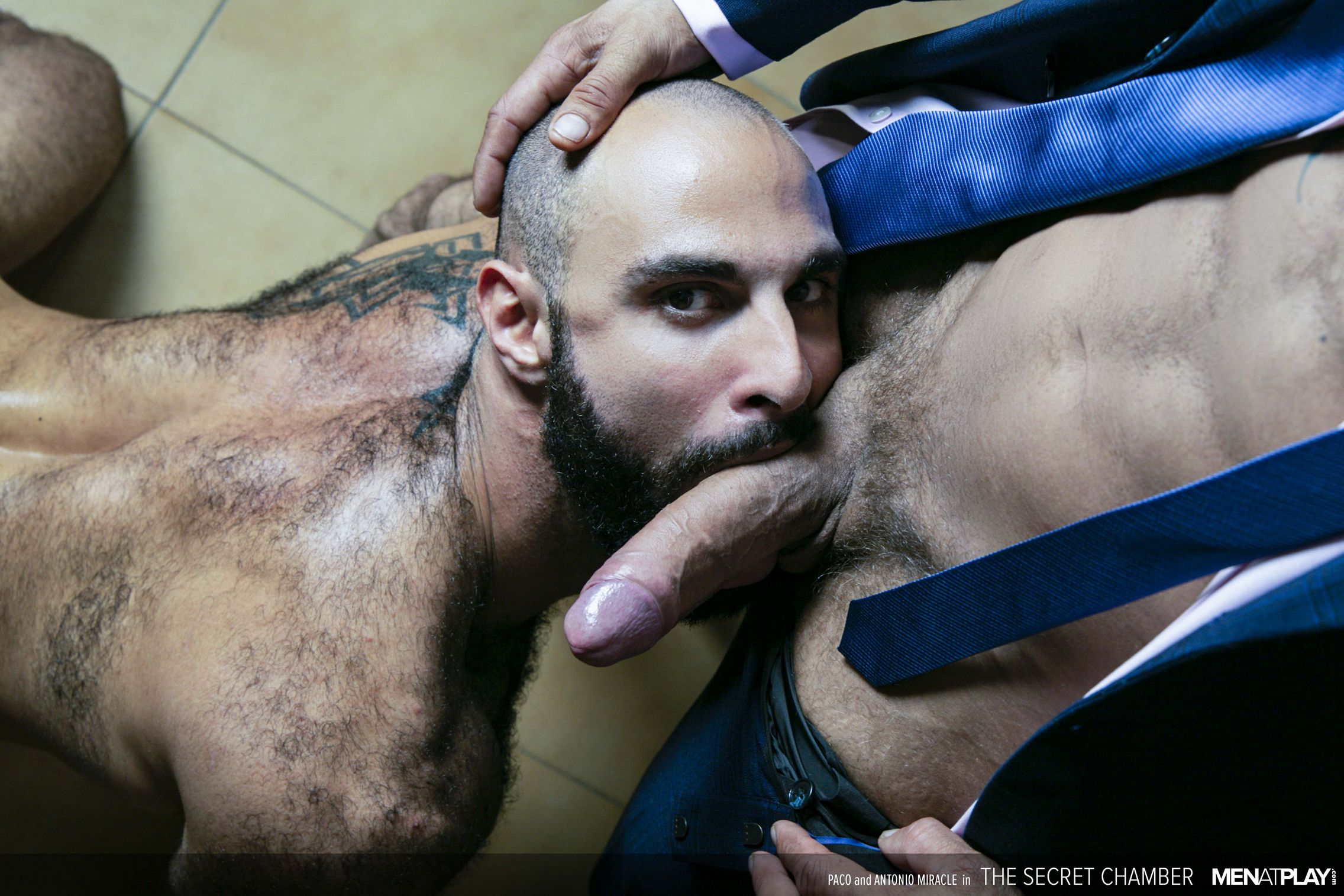 Antonio Miracle fuck Paco gay hot daddy dude men porn Secret Chamber