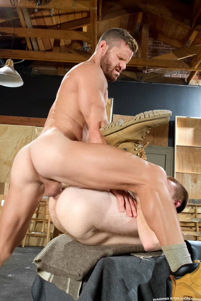 Landon Conrad fuck Seamus O'Reilly gay hot daddy dude men porn Size Matters