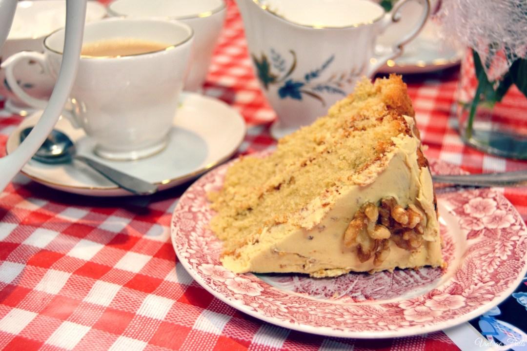 Kingsmeadow Vintage Alldayer Tea and Cake