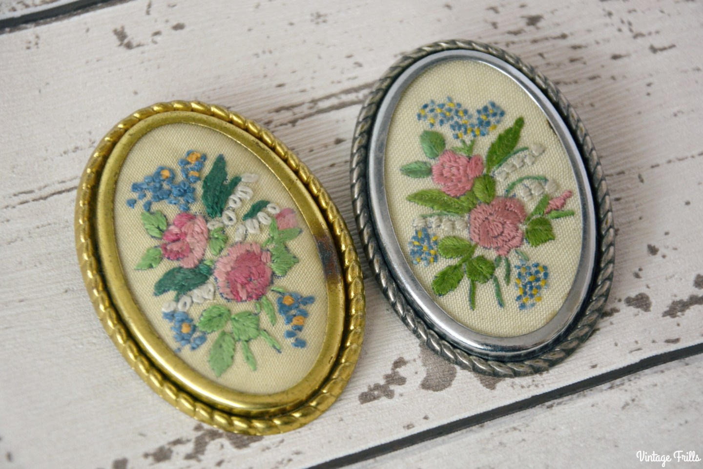 vintage-floral-embroidered-brooches