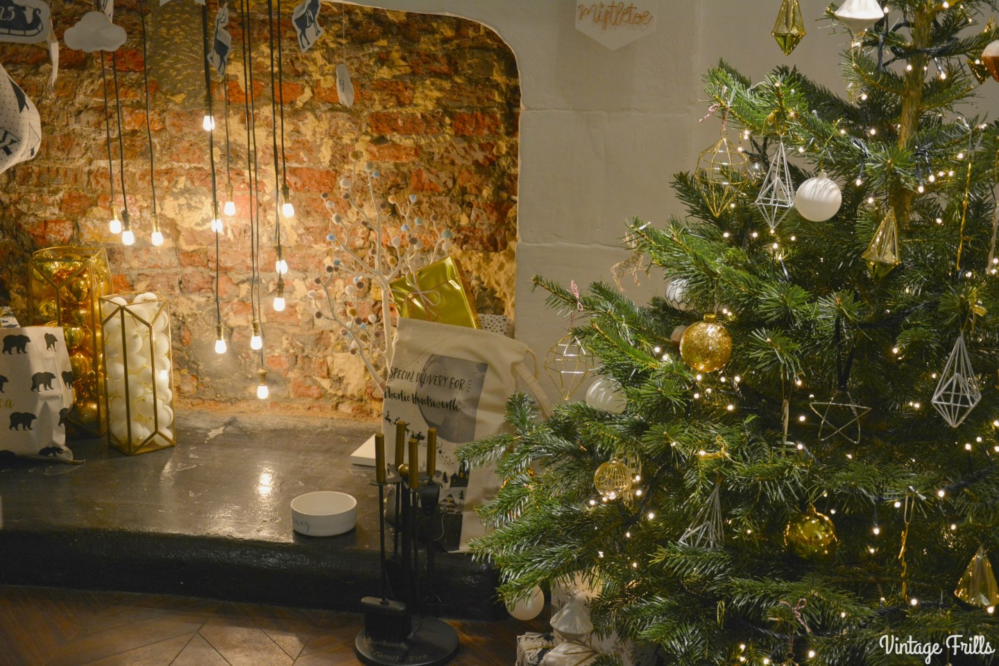 not-on-the-high-street-press-day-christmas-tree