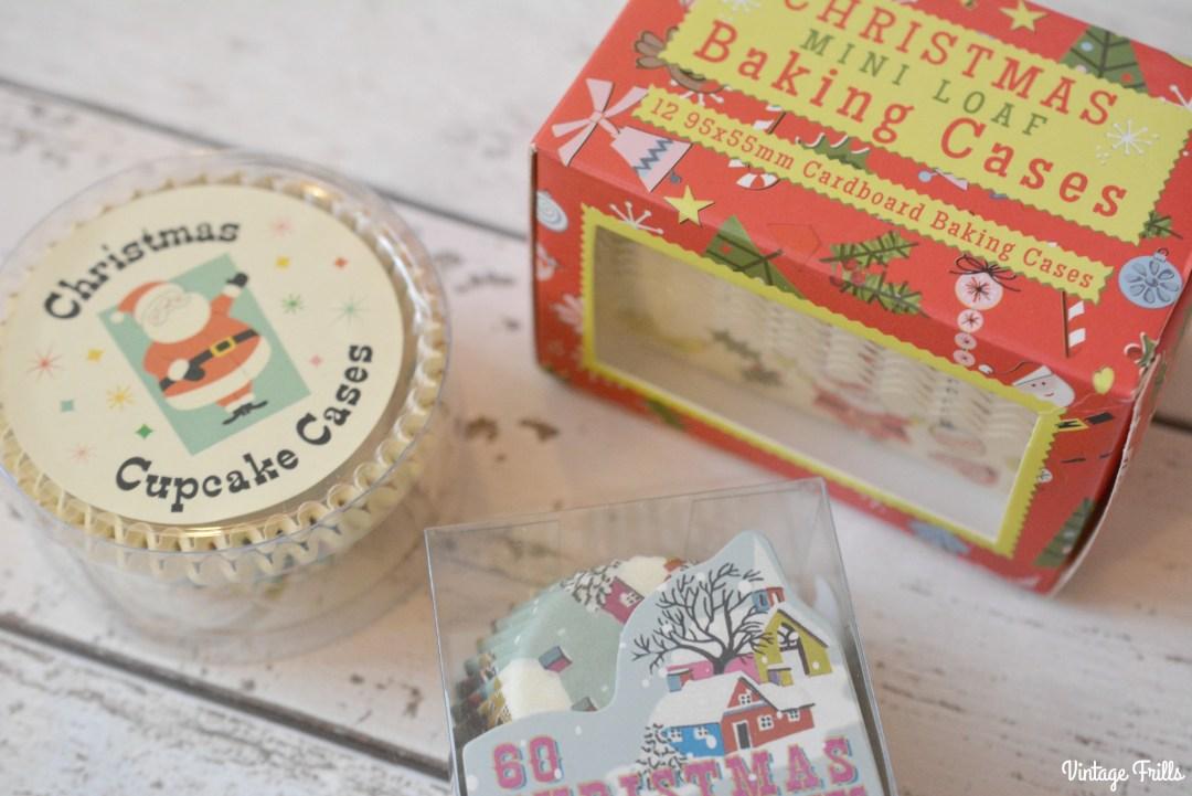 retro-christmas-cup-cake-cases