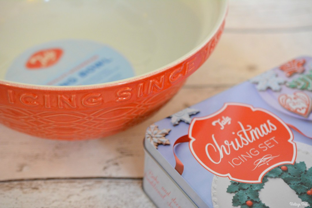 tala-christmas-icing-set-and-bowl