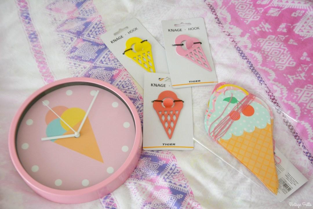 Ice Cream Theme | Tiger Ice Cream clock and hooks