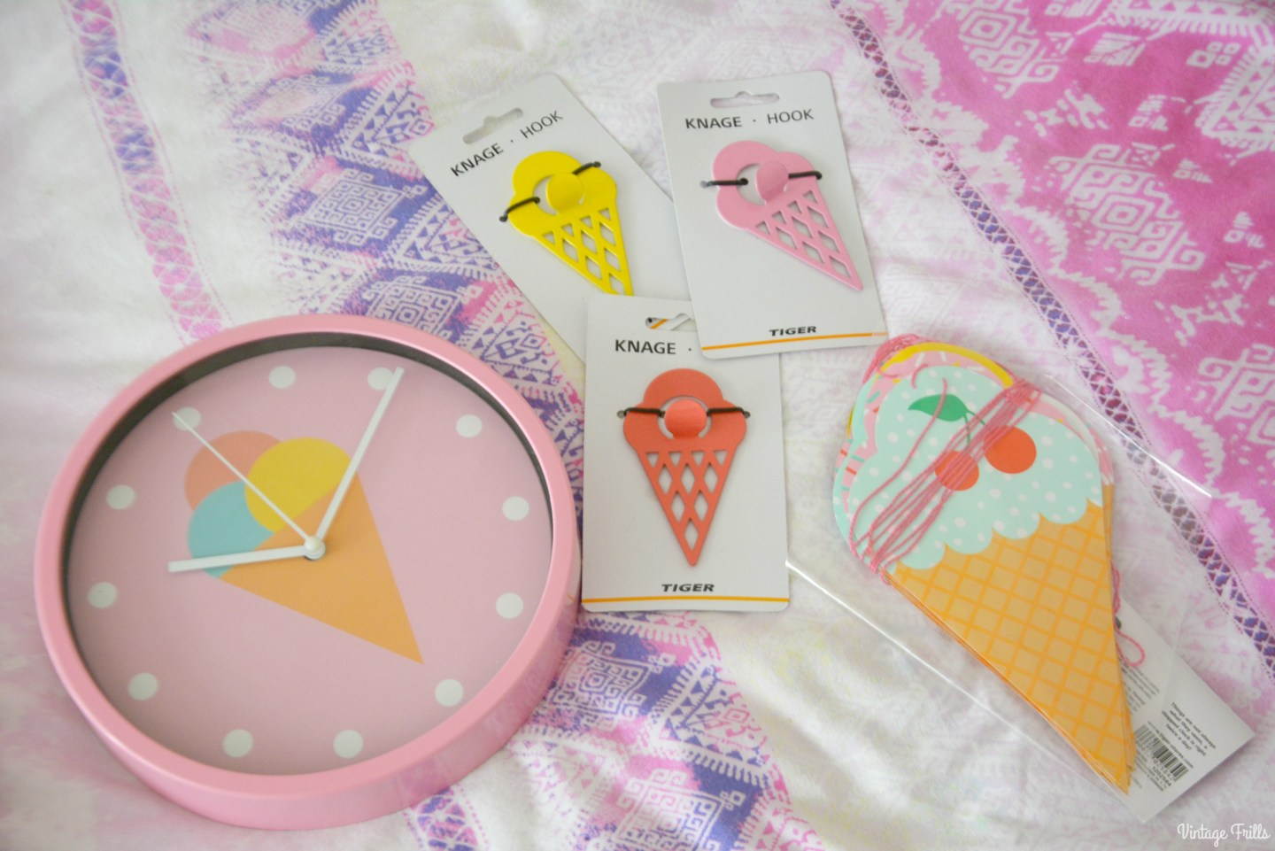 Ice Cream Theme | Tiger Ice Cream clock and hooks