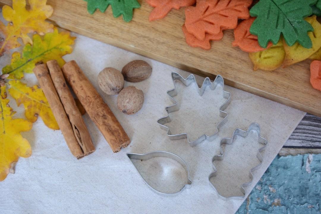 BAKING - Autumn Leaf Biscuits Recipes | Vintage Frills