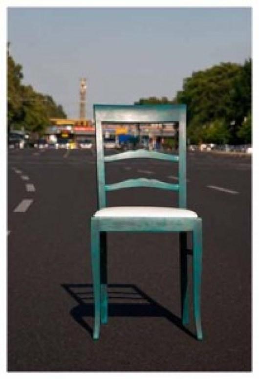 Vintage-Stuhl auf der Straße des 17. Juni, Berlin