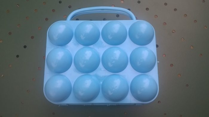 boite à œufs vintage bleue