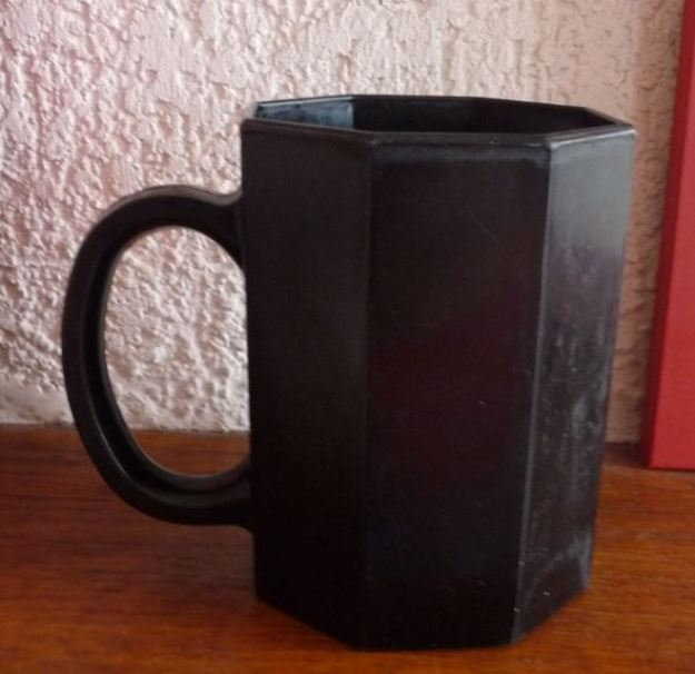 mug Arcoroc noir des années 80
