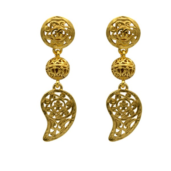 Chanel Gilt Openwork Paisley Earrings, Autumn 1995