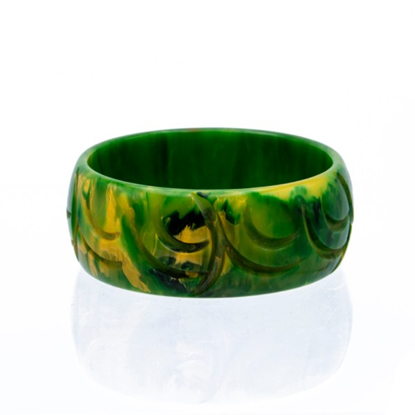 Product Photo of Marbled Green & Yellow Bakelite Carved Bangle, 1940s