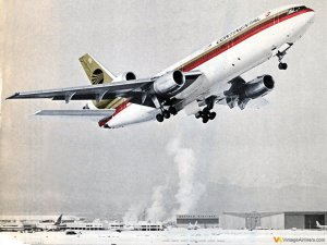 Continental DC-10 Takes-off