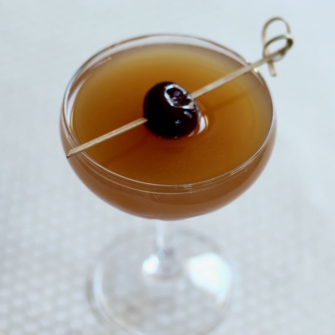 Golden Glow - A Refreshing Whiskey & Rum Cocktail