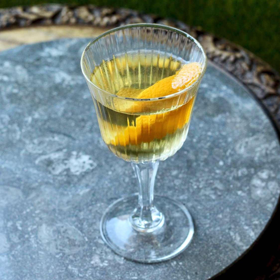 Chrysanthemum - Classic 1934 Savoy Cocktail