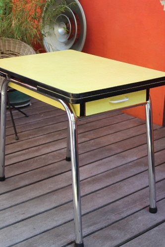 Table formica Jaune (14)