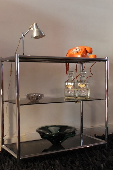 Etagère seventies alliant Chrome & Verre fumé