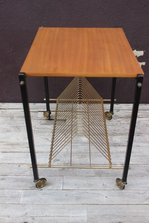 Petit meuble sur roulettes pour platine vinyles 1950