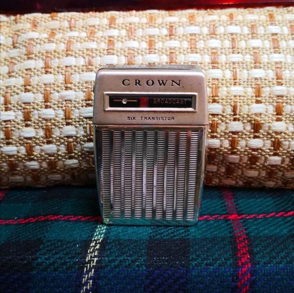 Crown牌子懷舊原子粒收音機