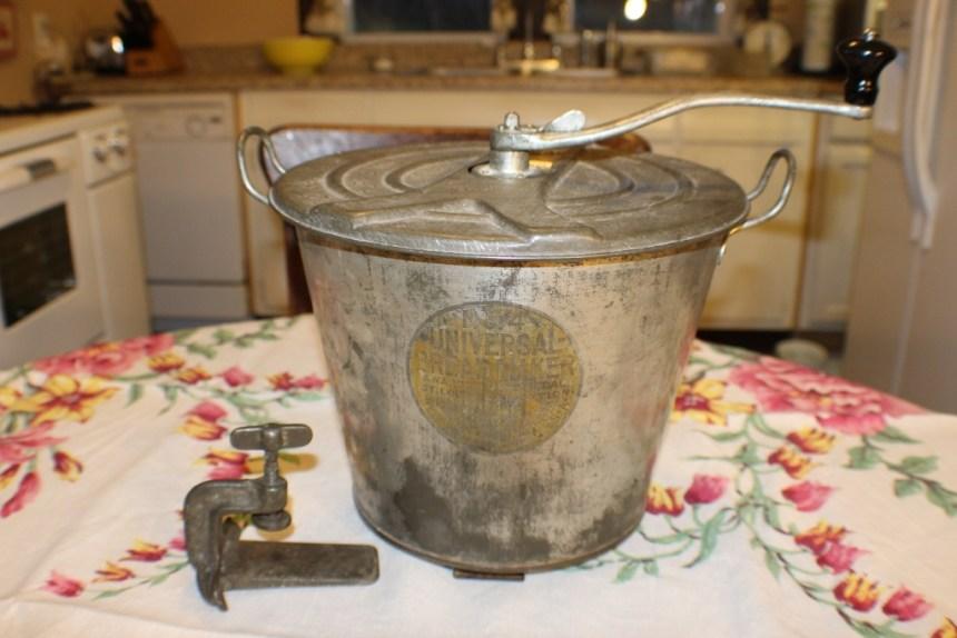 Baking Bread using a Vintage Universal Bread Bucket - Jeanne