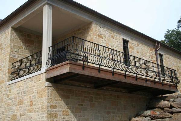 outside balcony railing
