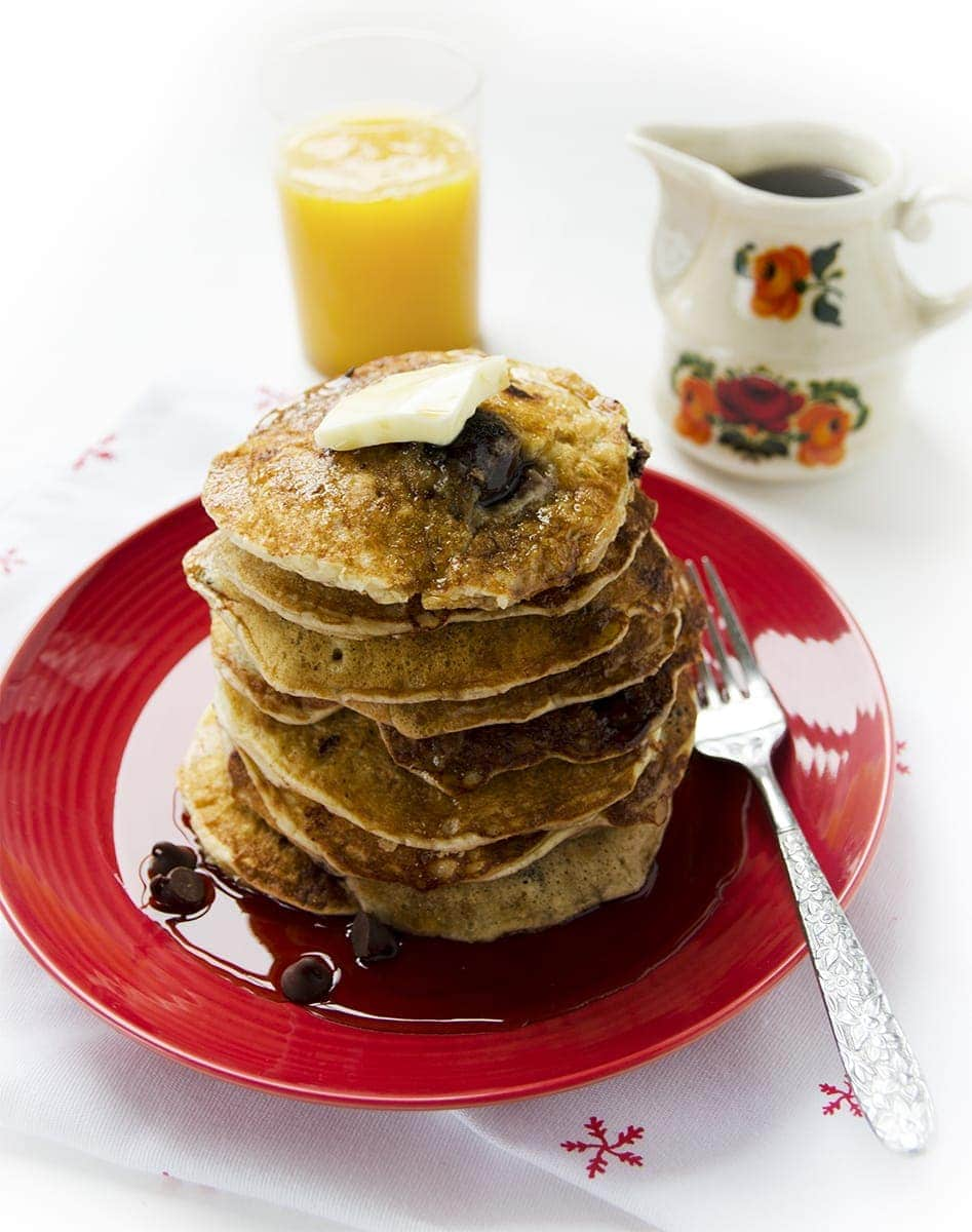Take your breakfast from ordinary to sweet with these Chocolate Cherry Pancakes. They're light, fluffy and decadent and a great way to start your day! | vintagekitty.com