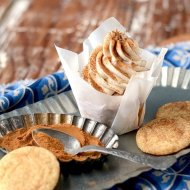 Snickerdoodle Cupcakes + Happy Birthday to Vintage Kitty!