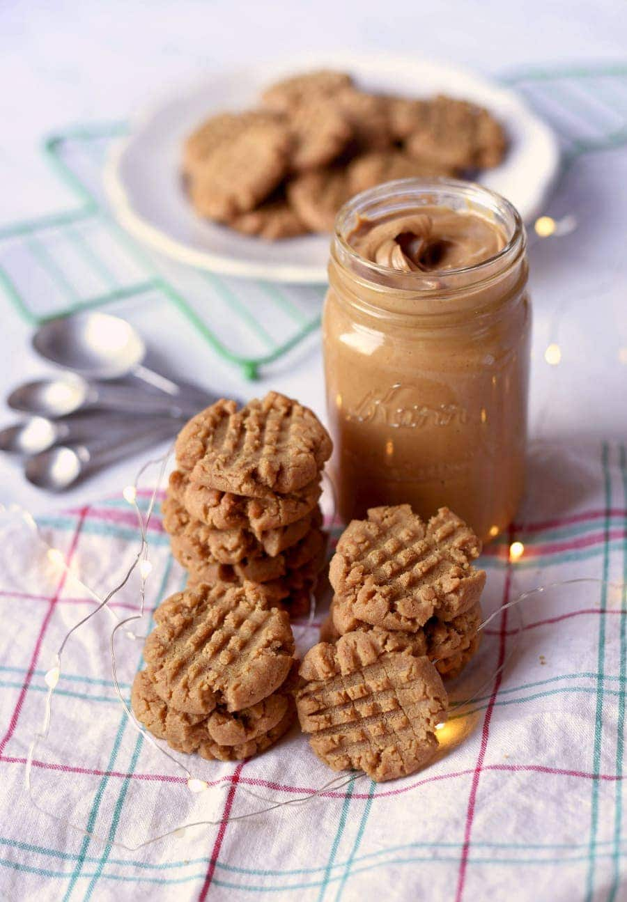 Vegan Peanut Butter Cookies that taste like the traditional recipe? Yes please! No one will know this peanut butter cookie recipe is vegan unless you tell them! Learn all the tricks we used to create this delicious cookie that's crisp on the outside, chewy inside and so nutty! #veganrecipe #peanutbuttercookies #peanutbutter #cookies