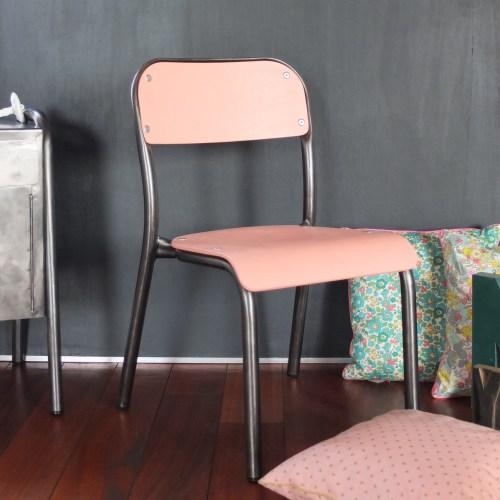 Chaise de maternelle vieux rose poudré