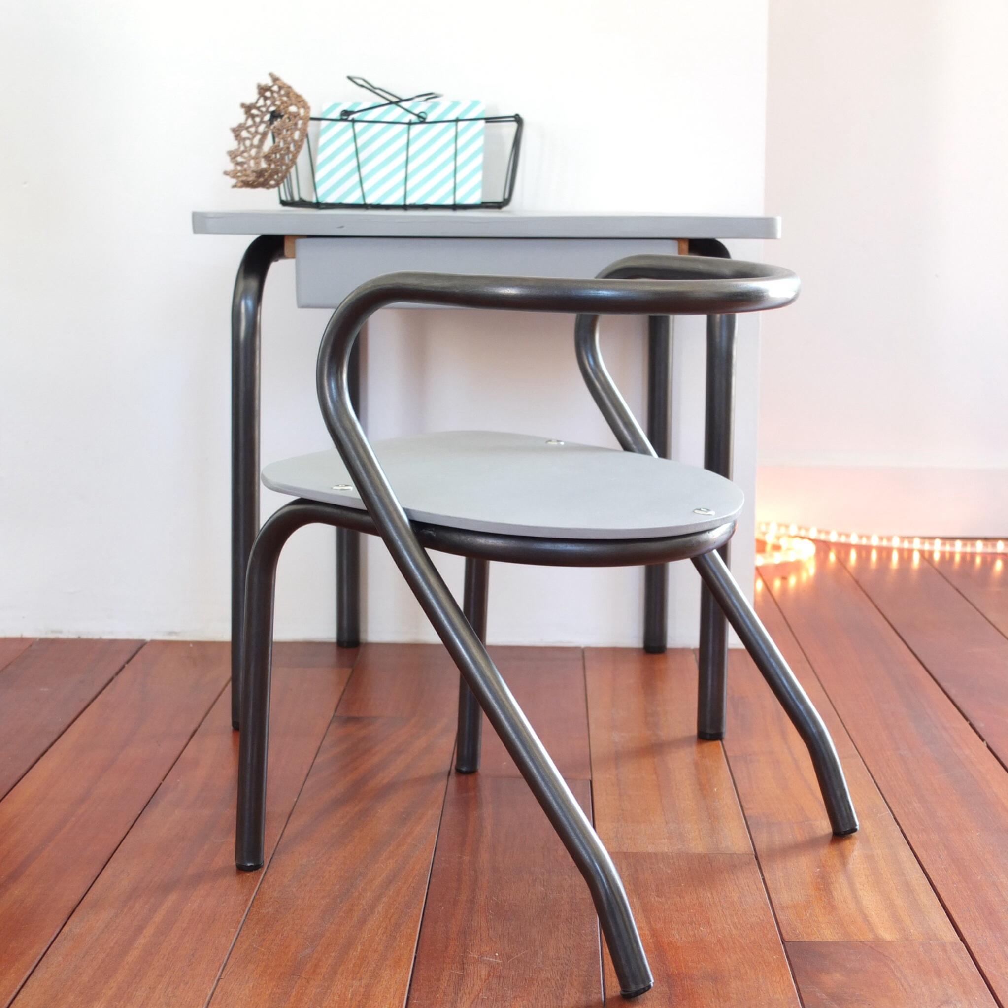 bureau delagrave et chaise jacques hitier vintage magic. Black Bedroom Furniture Sets. Home Design Ideas