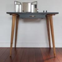 petite table années 50 pieds compas
