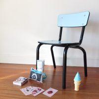 Petite chaise d'école en Formica bleu ciel
