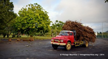 Old Red Bedford J6 Truck at Mon Desert Alma Mauritius