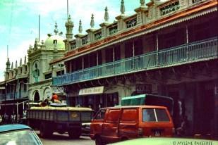 Port Louis - Royal Street - Jummah Mosque - 1983 (Courtesy: Mylene Barry-Pakeeree)