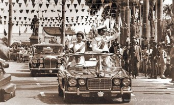 Queen Elizabeth and Prince Philip - Visit Mauritius - Mar 1972 Place D'Armes