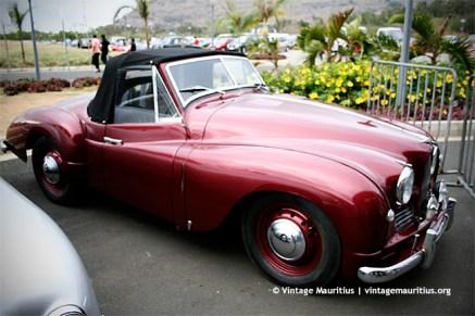 Vintage Car (brand unknown)