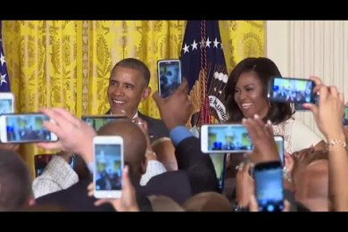 "President Obama Hilariously Responds To A Woman Who Yells ""Hey Michelle"""