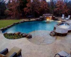 Construcción de piscina con cascada
