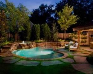 Construcción de piscina pequeña