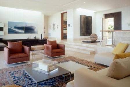 Decoração de sala de estar com dois ambientes.