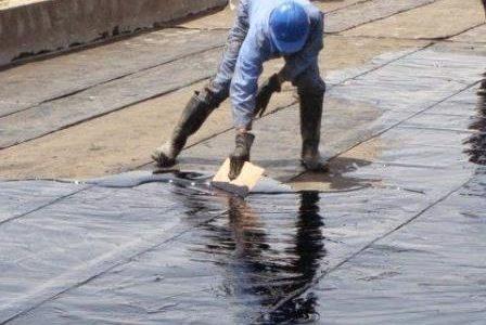 Infiltrações em terraços – Tela líquida de impermeabilização.