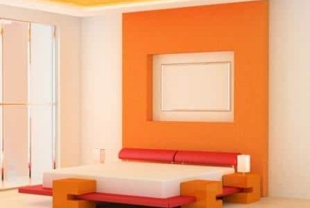 Pintura de quarto com paredes cor de laranja e branco.