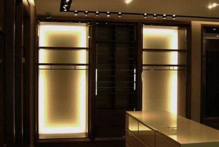 Remodelação de iluminação de loja em centro comercial.