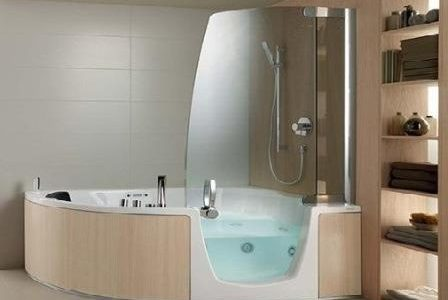 Substituição de banheira por banheira com hidromassagem e duche.