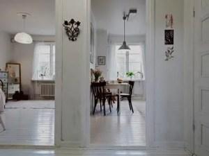 Remodelação de apartamento com sala e quarto.