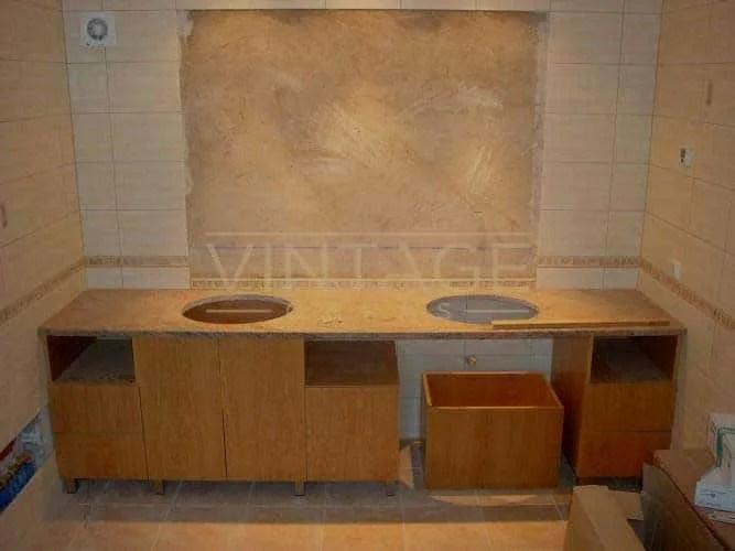 Remodelação de casa de banho: móvel por medida e espelho encastrado