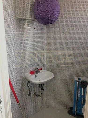 Pequena casa de banho a remodelar