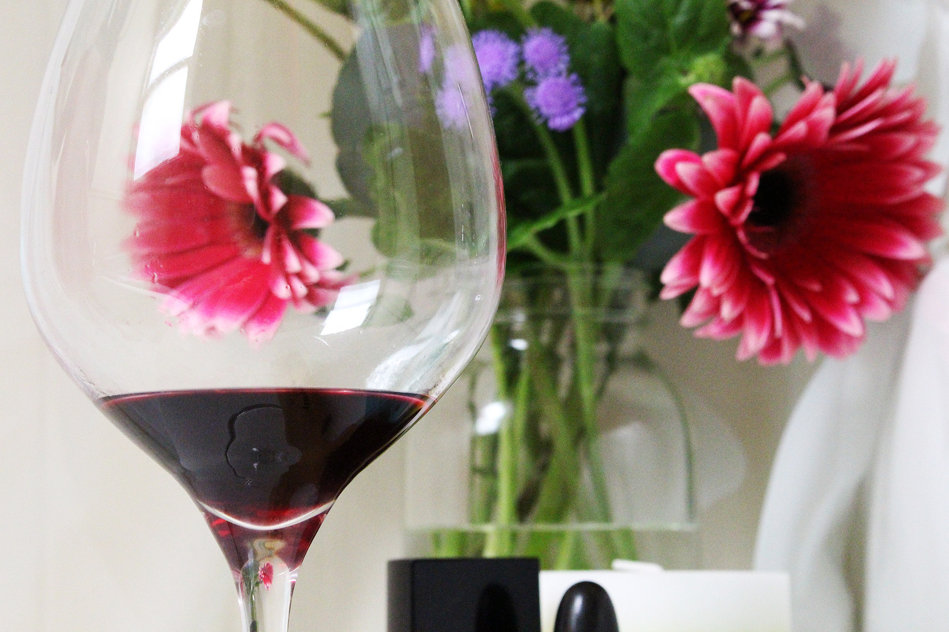 Wine and Flowers | @vintageontap